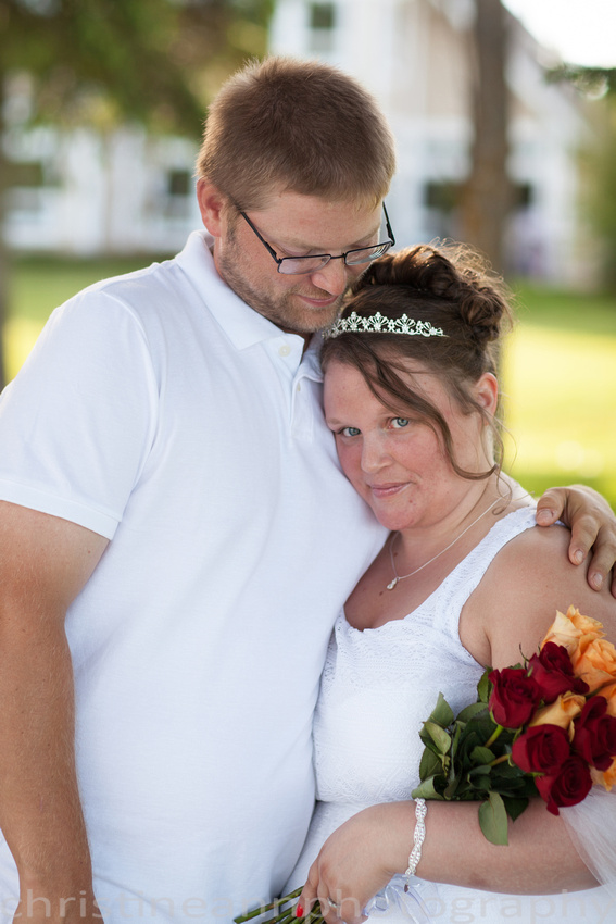 Wedding ceremony at Larsmont Cottags in Duluth MN