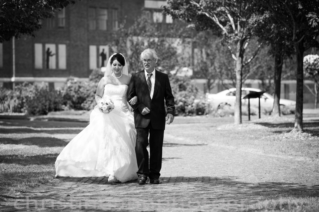 Duluth MN photography of Leif Erickson Park Rose Garden wedding and family