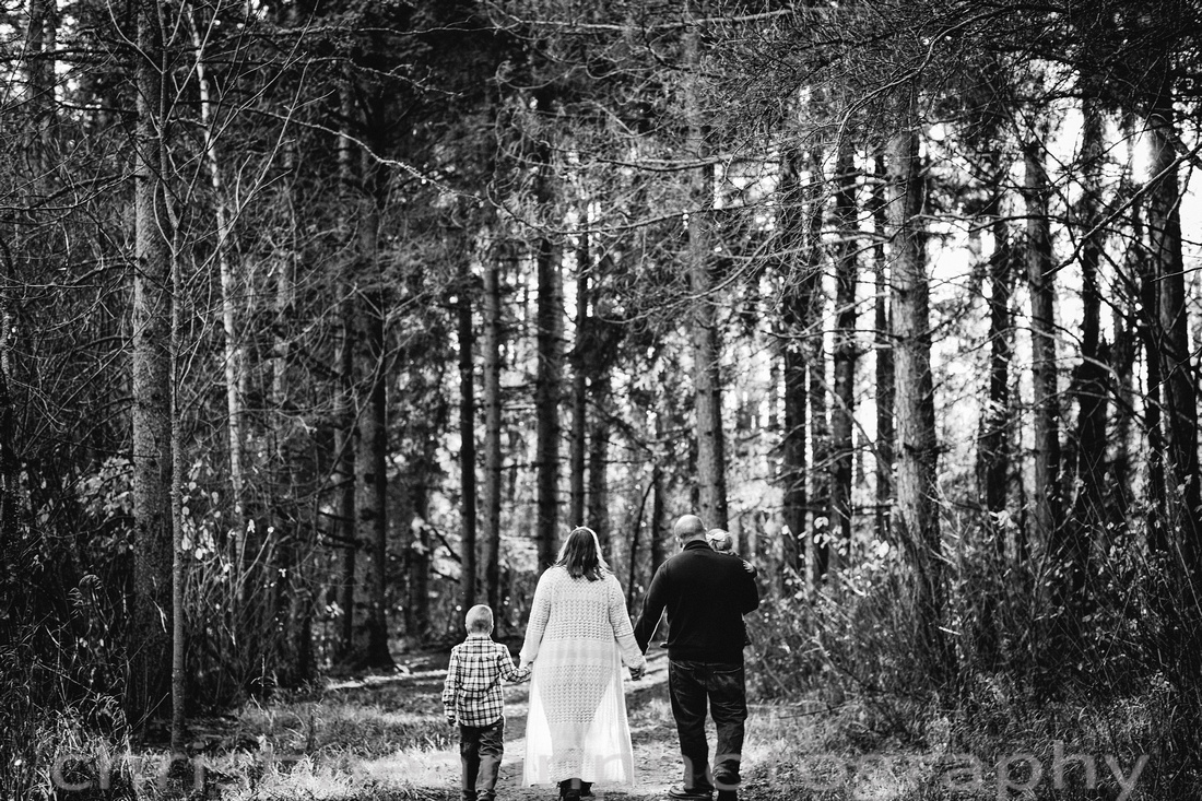 Children Kids Siblings Family Couples photography session in Duluth MN at Hartley Nature Center by photographer Christine Ann Photography